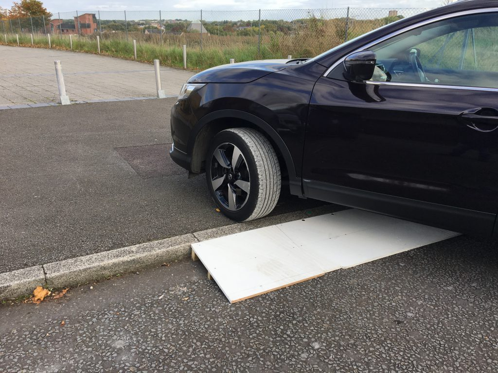 Car ramp for elderly